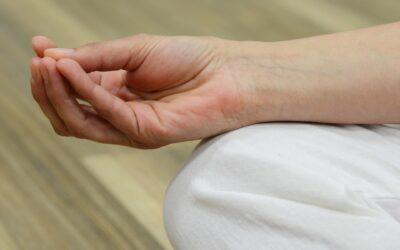 Vejen ud af spiseforstyrrelsen med yoga og terapi.